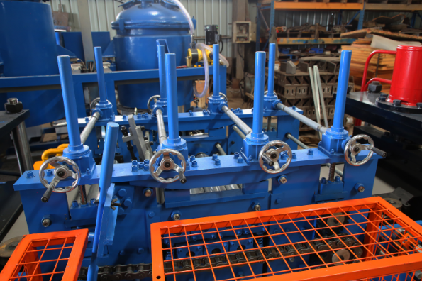 Purlin d'ISO9001 C formant la machine pour la structure métallique des bâtiments industriels